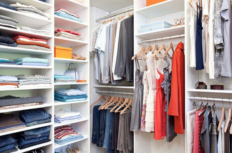 Light-Up-the-Tidy-Closet-Organization-Ideas-with-White-Shelves-and-Clothes-Hanger-inside-Small-Area